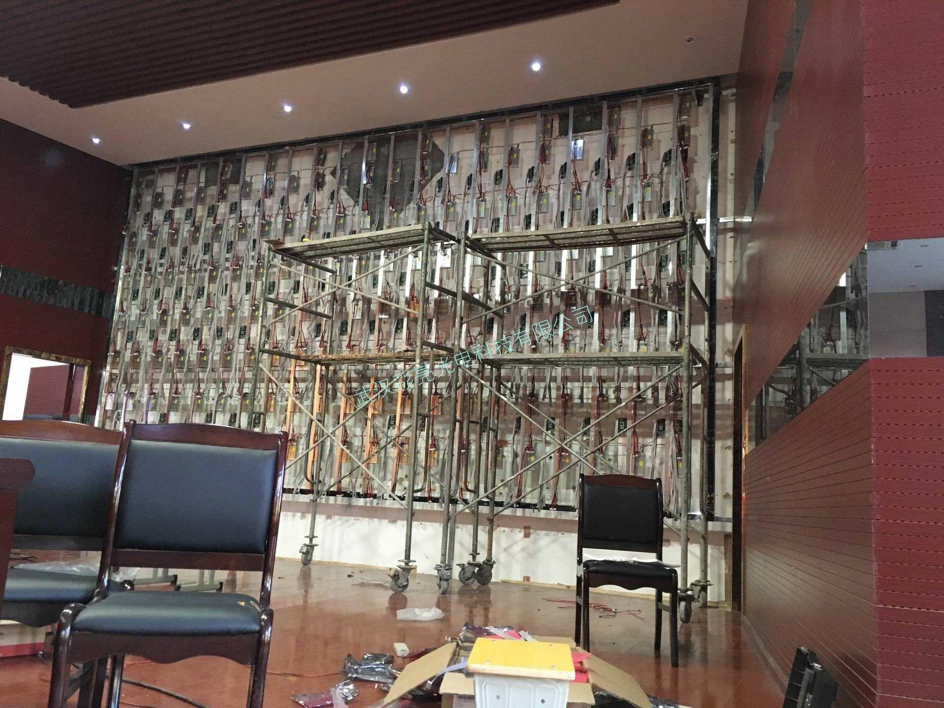 学校报告厅室内P2.5高刷高清全彩显示屏(图6)